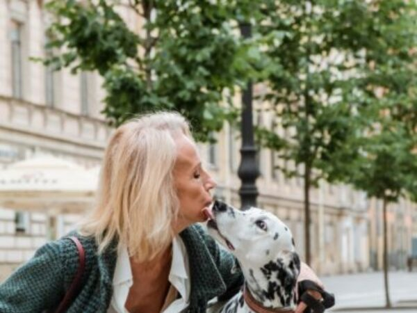 how pets benefit seniors, aging population, mental health